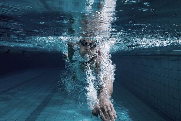 Personlig svømmetræner